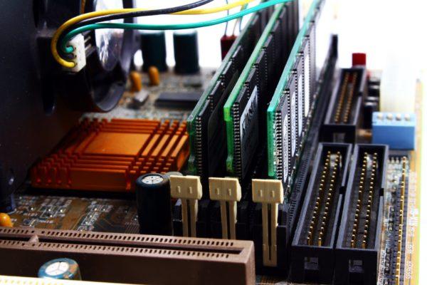 RAM ve ROM Nedir